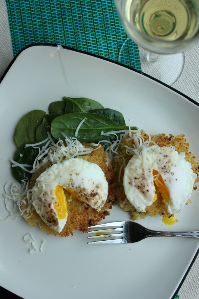 Quinoa Cakes with Poached Eggs | www.purplehousecafe.com