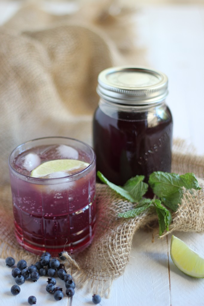 Blueberry Mint Simple Syrup | www.purplehousecafe.com